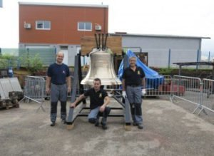 Newly cast mounted Liberty Bell replica